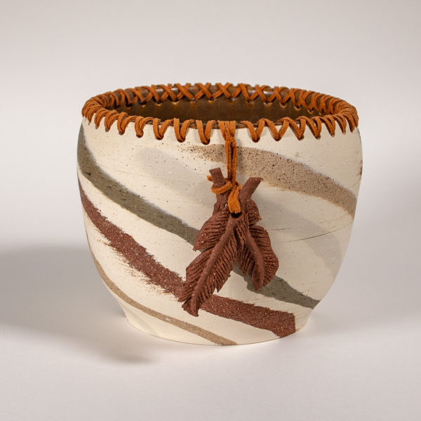 swirl-laced-feather-pot1